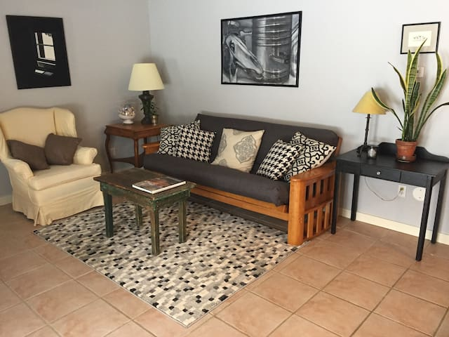Comfortable Country Apartment - Nassau - Apartemen