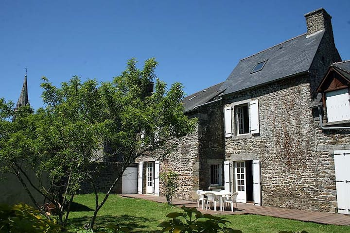 LOVELY COTTAGE near Saint-Malo  - Roz-Landrieux - Дом