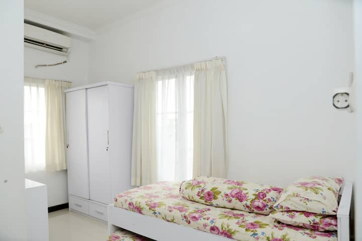 10 private rooms in Bintaro Pondok Aren