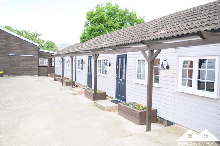 The Bradford Apartment at West Drayton Farm