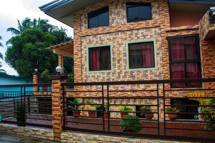TITAN RESIDENCE 8 @ Cavinti, Laguna-Caliraya Lake - Cavinti - Hus