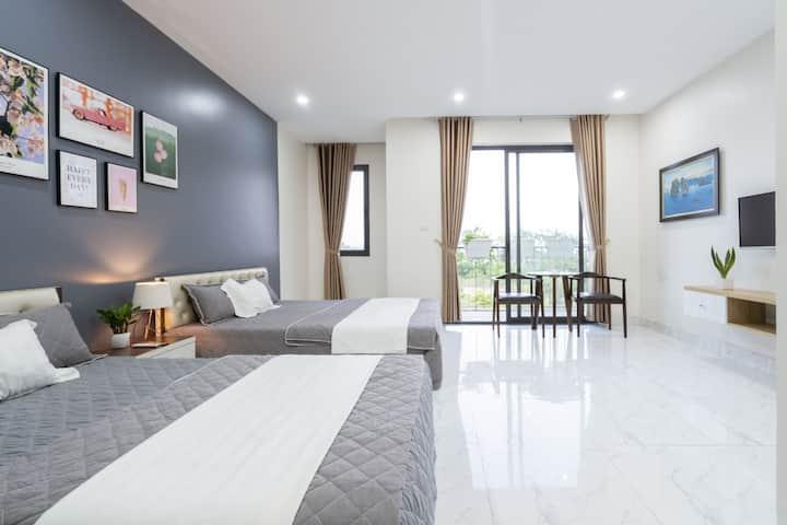AHA Homestay - Modern 5-bedrooms villa near beach