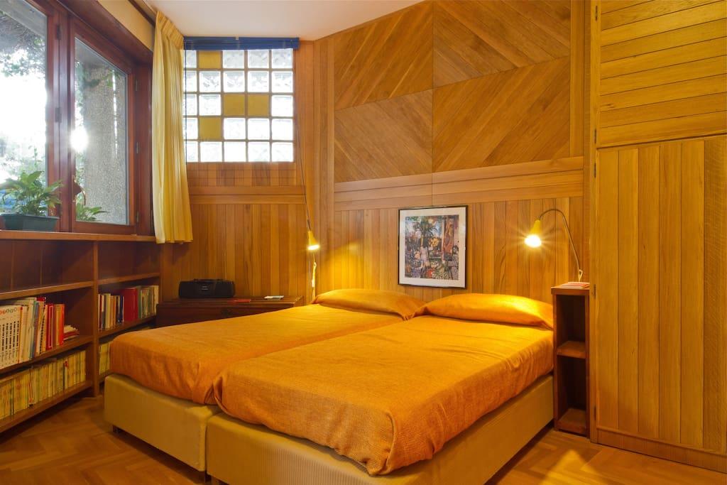 Monolocale storica villa sul mare appartamenti in for Monolocale arredato palermo