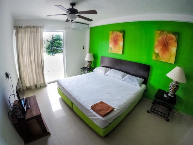 Amazing studio in  Cancun best location sleeps 4