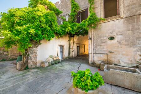 Palazzo del 600' a Magliano - Magliano
