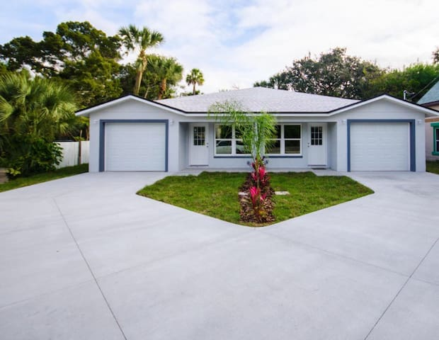 Modern 3/2 close to everything - Daytona Beach - House