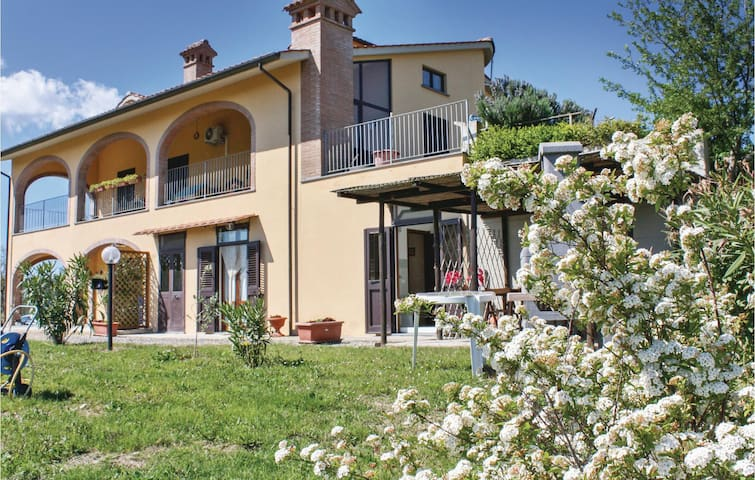 Holiday apartment with 2 bedrooms on 54 m² in Chianni PI