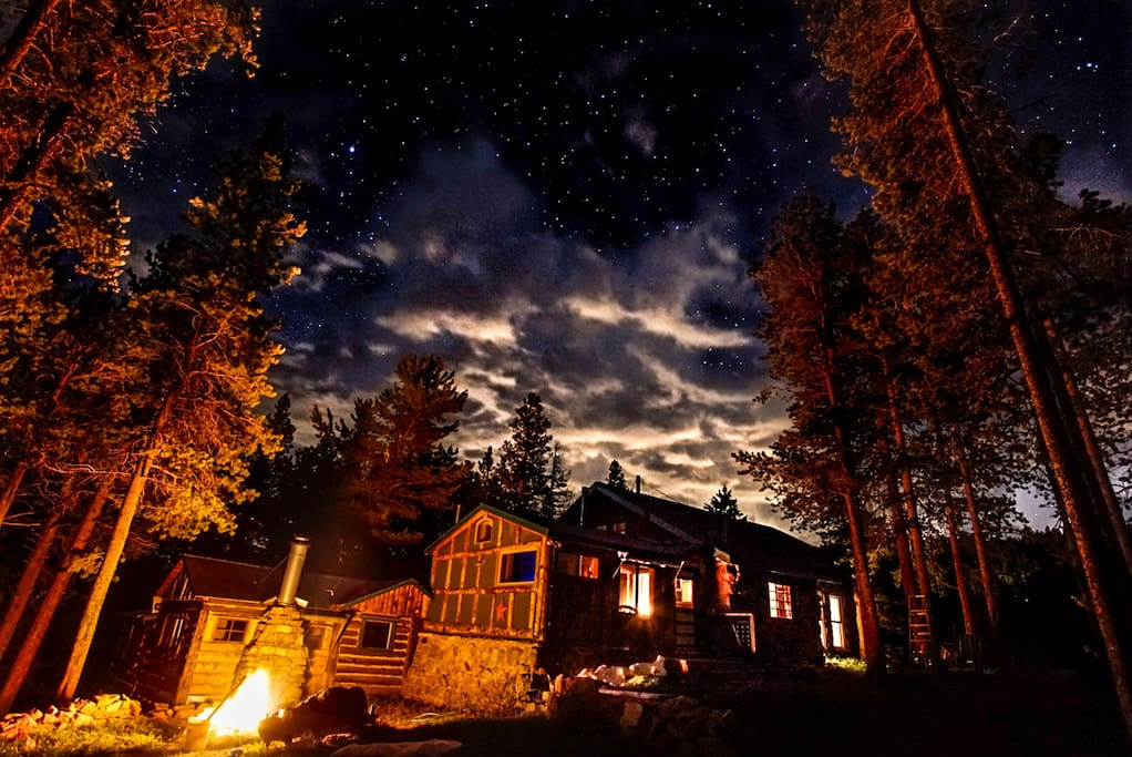 It's magical at night time in the mountains