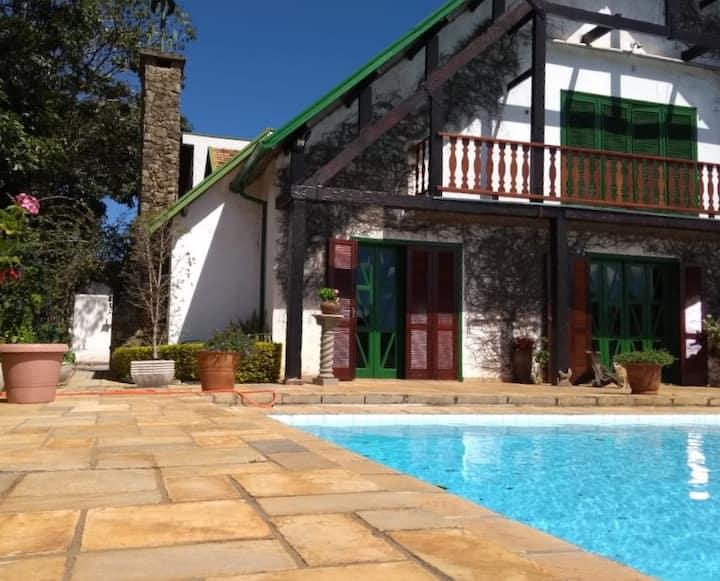 Casa Mobiliada em Serra Negra Paraiso Central