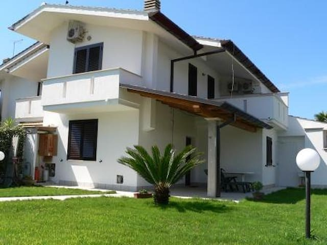 Casa al mare nel parco del Circeo - Bella Farnia