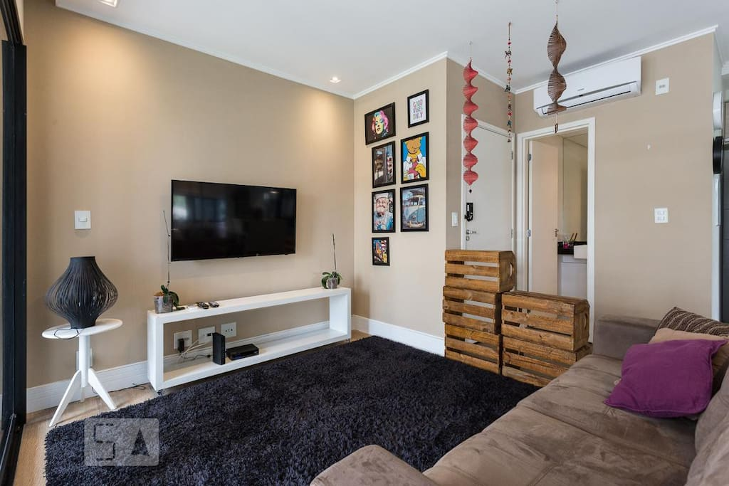 Living com TV 49 polegadas LED