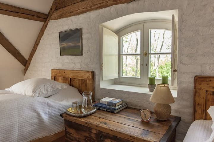 The Bat Barn, Luxury Guest House - Gadány