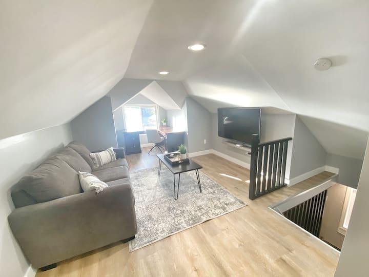 The Olde Walkerville Loft  - 1BD/1BA Apartment