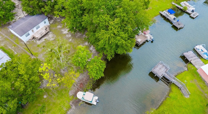 Cozy 3 Bedroom Lakefront Home on Lake Marion