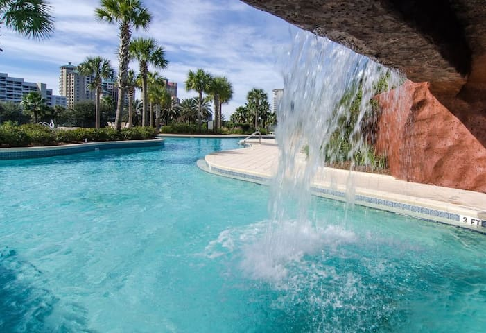 Enchanted Peaceful Walking Distance to the Beach - Miramar Beach