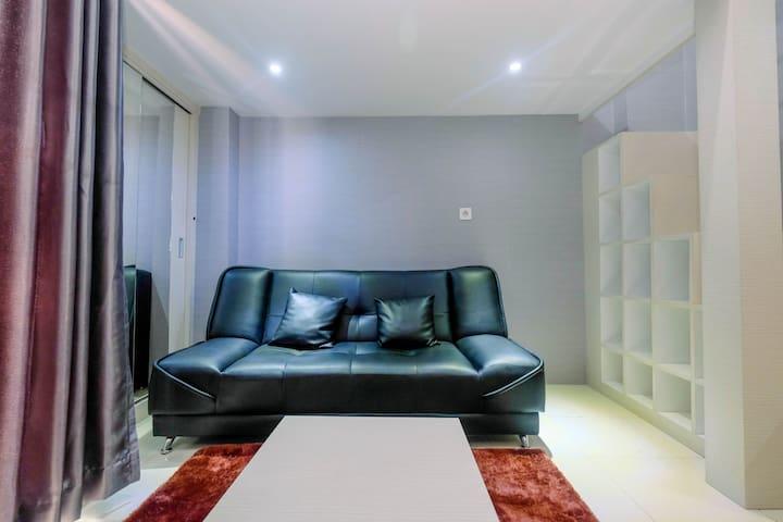 Minimalist and Stylish Studio Dave Apartment