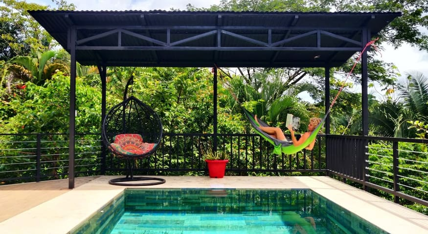TROPICAL HOME-2 bdrm w private pool & jungle view