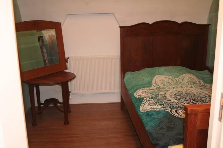 Slaapkamer tweepersoonsbed (120 x 200 cm)