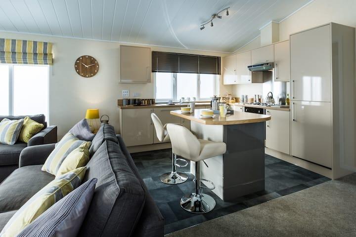 Three Bedroom Lodge 2