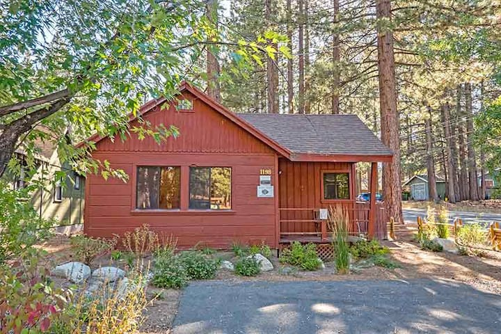 Romantic cabin with private hot tub cabins for rent in for South lake tahoe cabins to rent