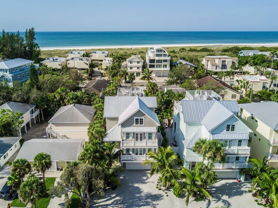 8 Beds, 6.5 Baths, Sleeps 22, Gulf Views, Close to Beach