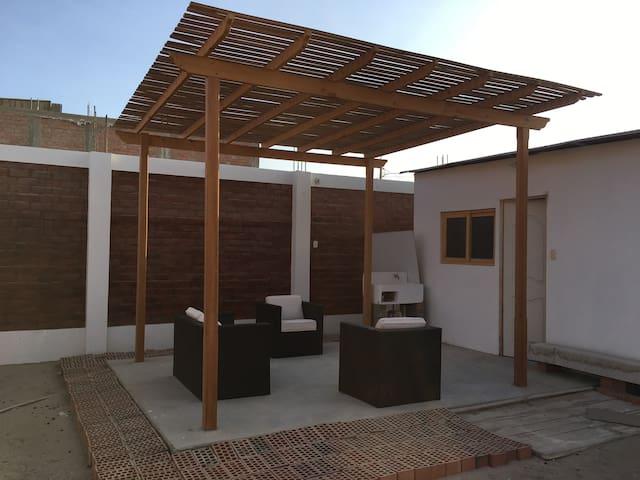 Pequeña Casa en Paracas - Paracas - House