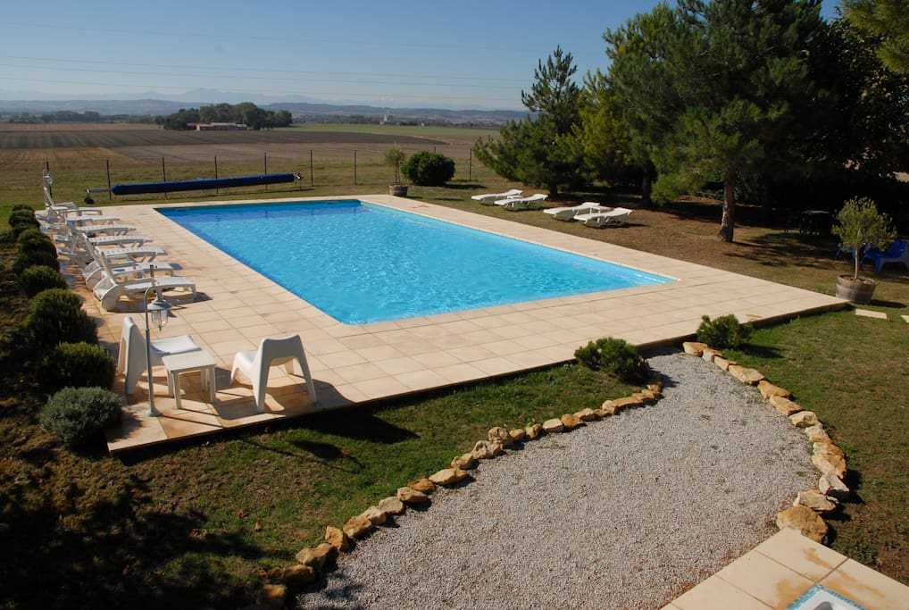 Secure 14x7m pool with views to the Pyrenees
