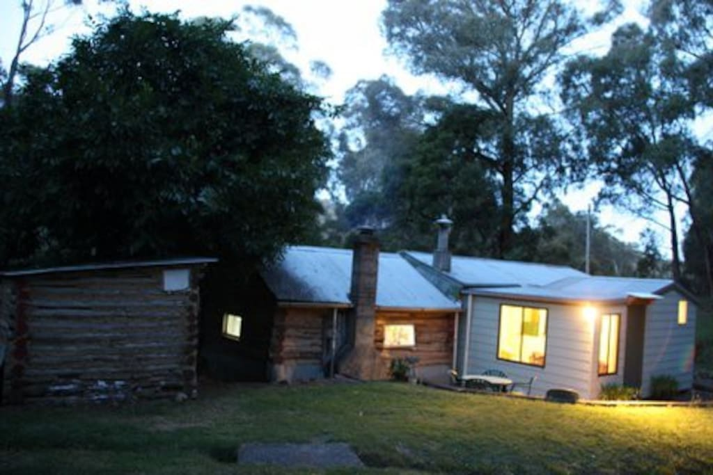 Old miners cabin in the Aussie bush