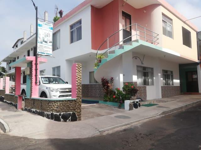Casa Amaro Galápagos