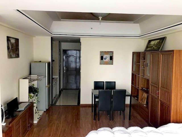 C & C Riverside Suites (Wanda Plaza) 随意·水岸公寓(万达广场)