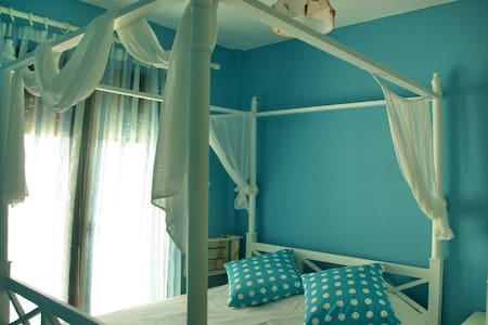 NICE SMALL FLAT BY THE BEACH!!!! - 哈爾基季基(Chalkidiki) - 公寓