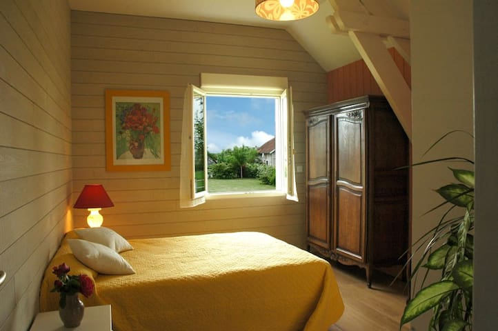 1 room of hotes in the country - Rouilly-Saint-Loup