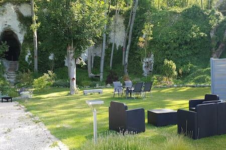 Maison / jardin avec vue sur sa grotte  à Veules !