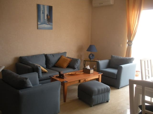 2 bed/1.5 bath/pool-view terrace - Dar Bouazza - Apartamento