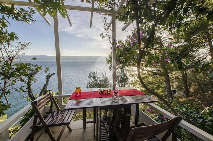 Wonderful Seaside Apartment in Stanici, Omis