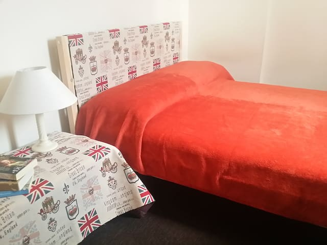 Double Bedroom in Loft Close to Tooting Overground