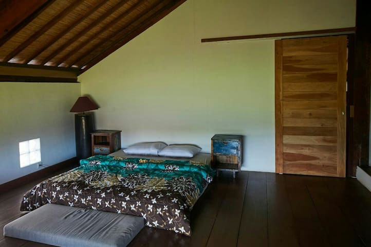 Oman Room, Great View, kayu room - gianyar - Huis