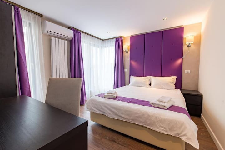 Premium Double Room - The Embassy Nord