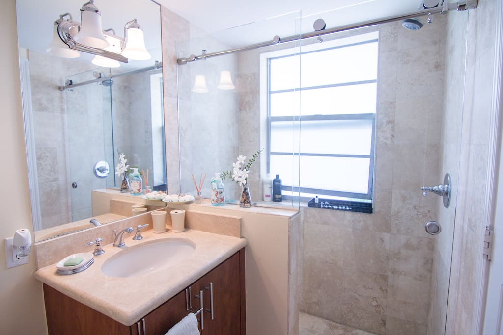 Fantastic 2 bedroom 2 bath 2 story