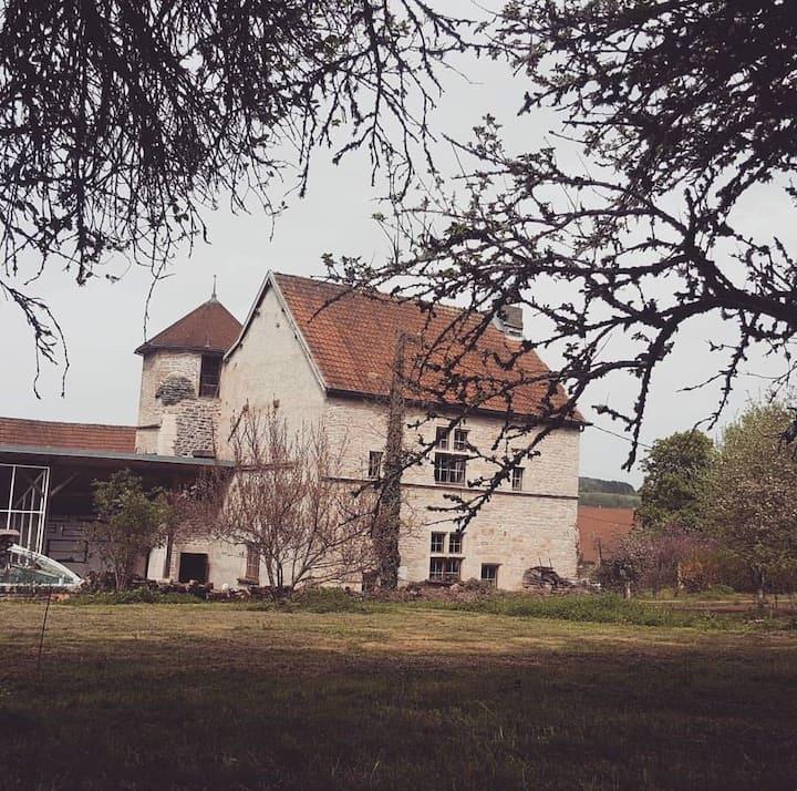 Le petit château d écorsaint