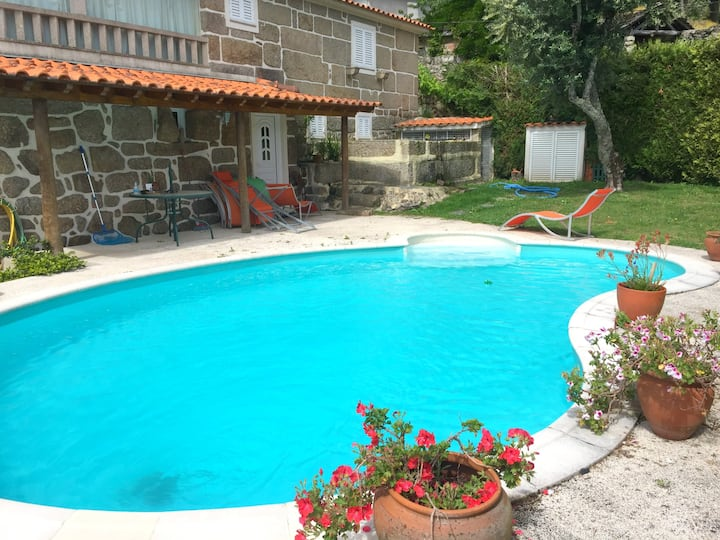 Villa with 4 bedrooms in Penafiel, with wonderful mountain view, private pool, enclosed garden - 50 km from the beach