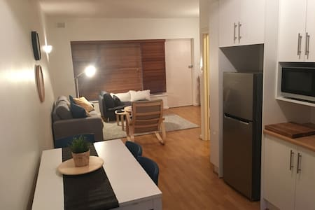 2BR West Beach Unit/15mins to City - West Beach - Leilighet