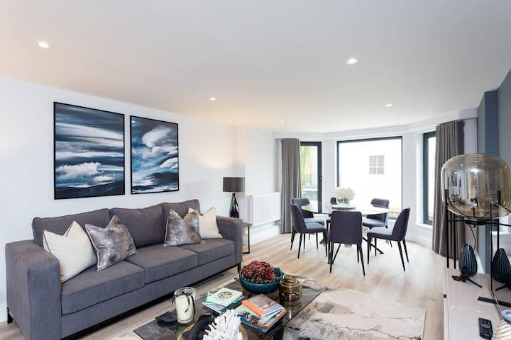 Beautiful 3BD apartment in Earls Court