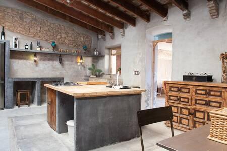 ANCIENT 1770 FORTRESS - MASIA  - Sant Pere de Ribes - Villa