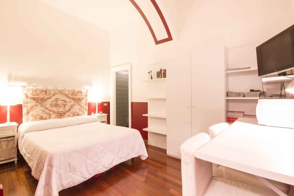 The Monolocale Room: it  is a double room with private bathroom and kitchenette.