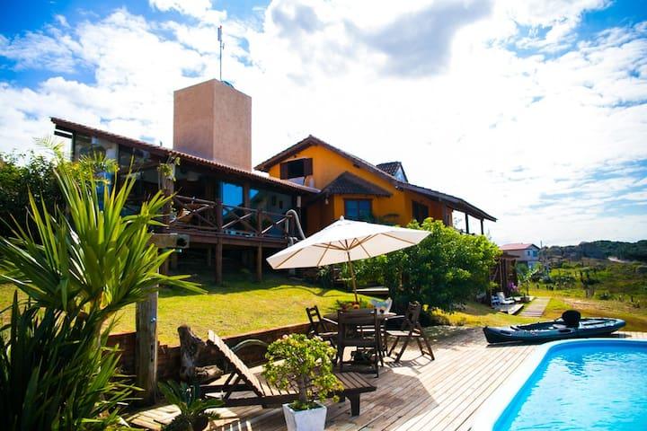 Suíte para casal com cozinha, na praia do Ypuã
