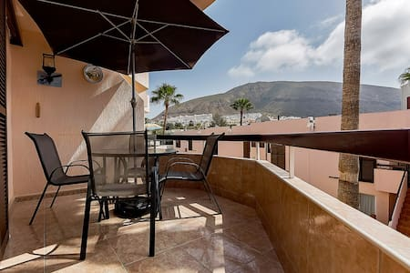 Cozy 1-bed flat, 200 m to the beach - Arona - Wohnung