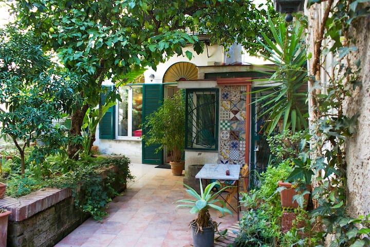 Casa con giardino centralissima case in affitto a napoli - Casa con giardino milano ...