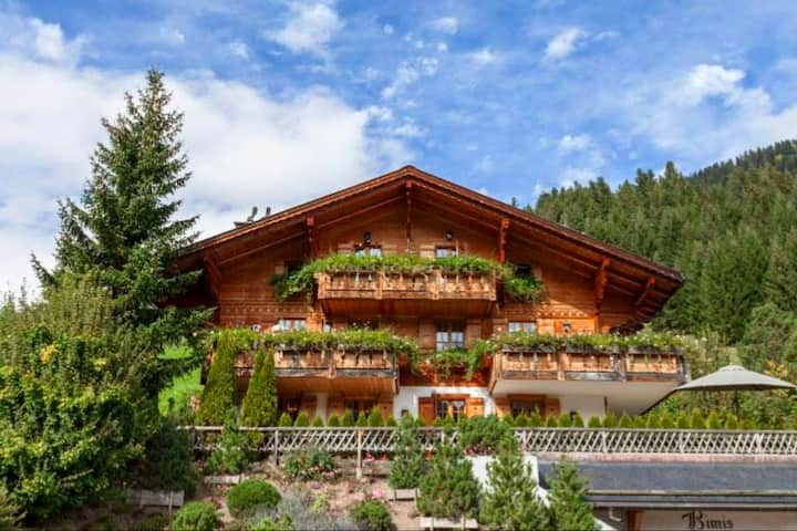 Beautiful apartment in Rougemont close to Gstaad