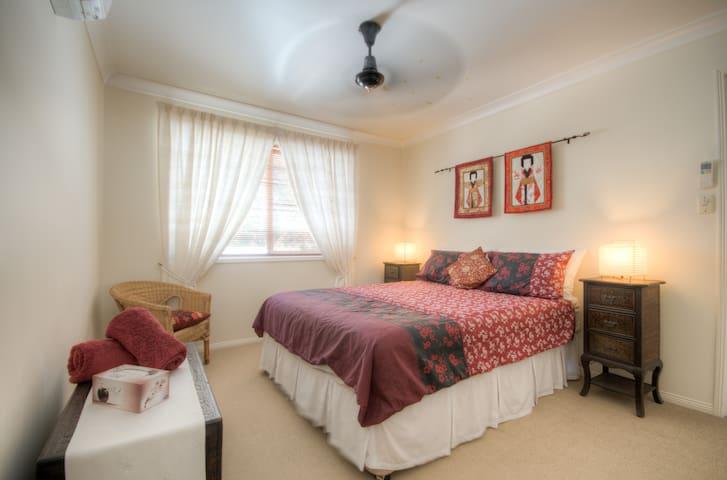 Oriental Comfort at Mooloolaba. - Mooloolaba - Bed & Breakfast